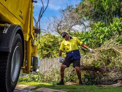 bulk garden waste removal mackay